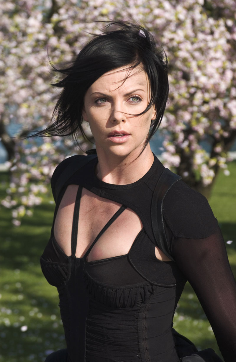 Aeon Flux Charlize Theron Haircut 1000 Ideas About Aeon Flux On